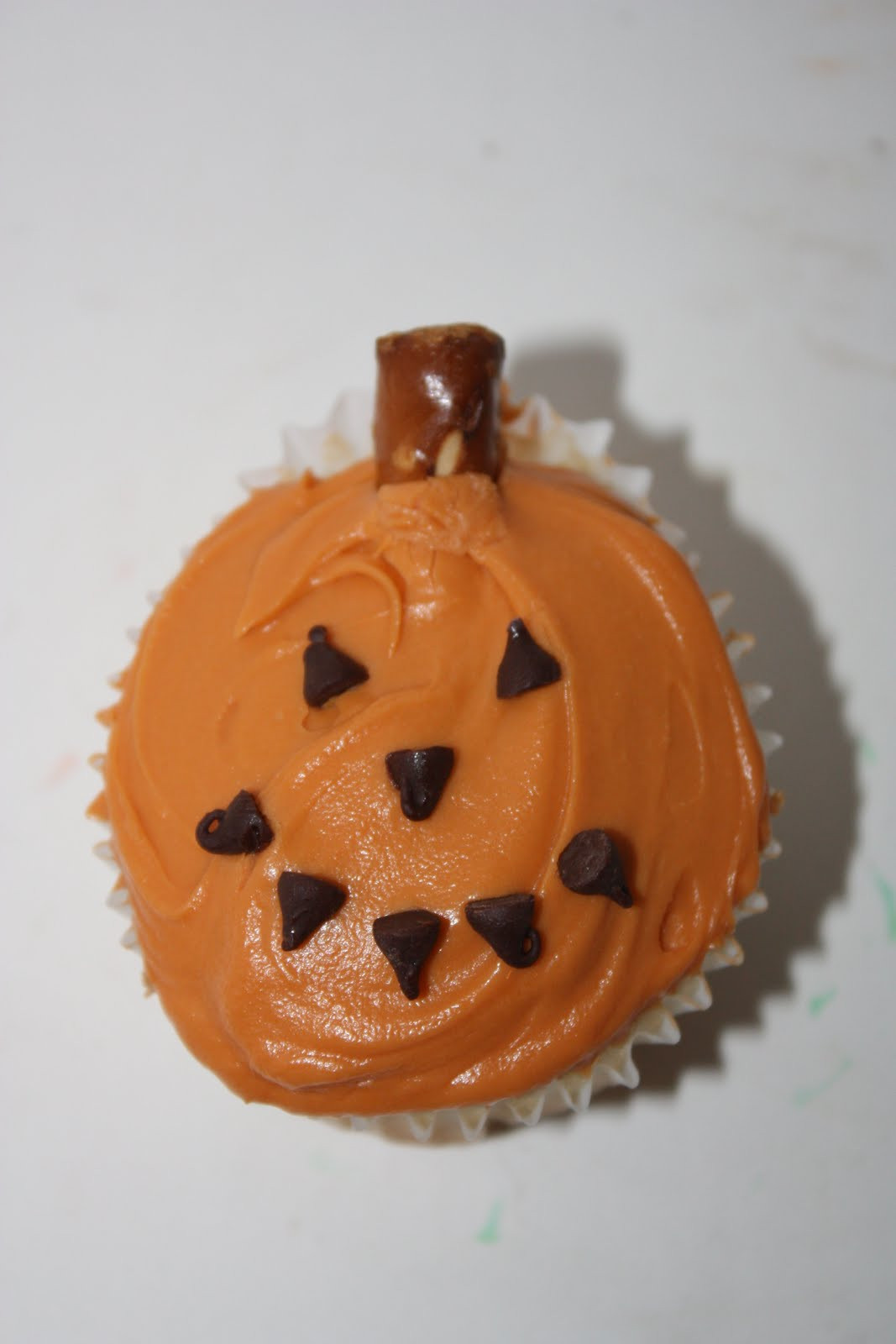 Halloween Pumpkin Cupcakes  My Food Looks Like a Pumpkin Happy Home Fairy