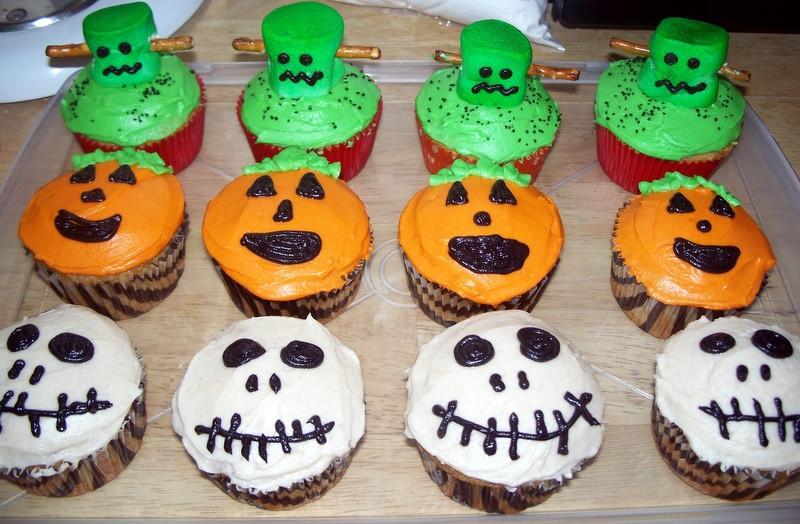 Halloween Themed Cupcakes  The Tiny Tyrant s Kitchen Halloween Cupcakes
