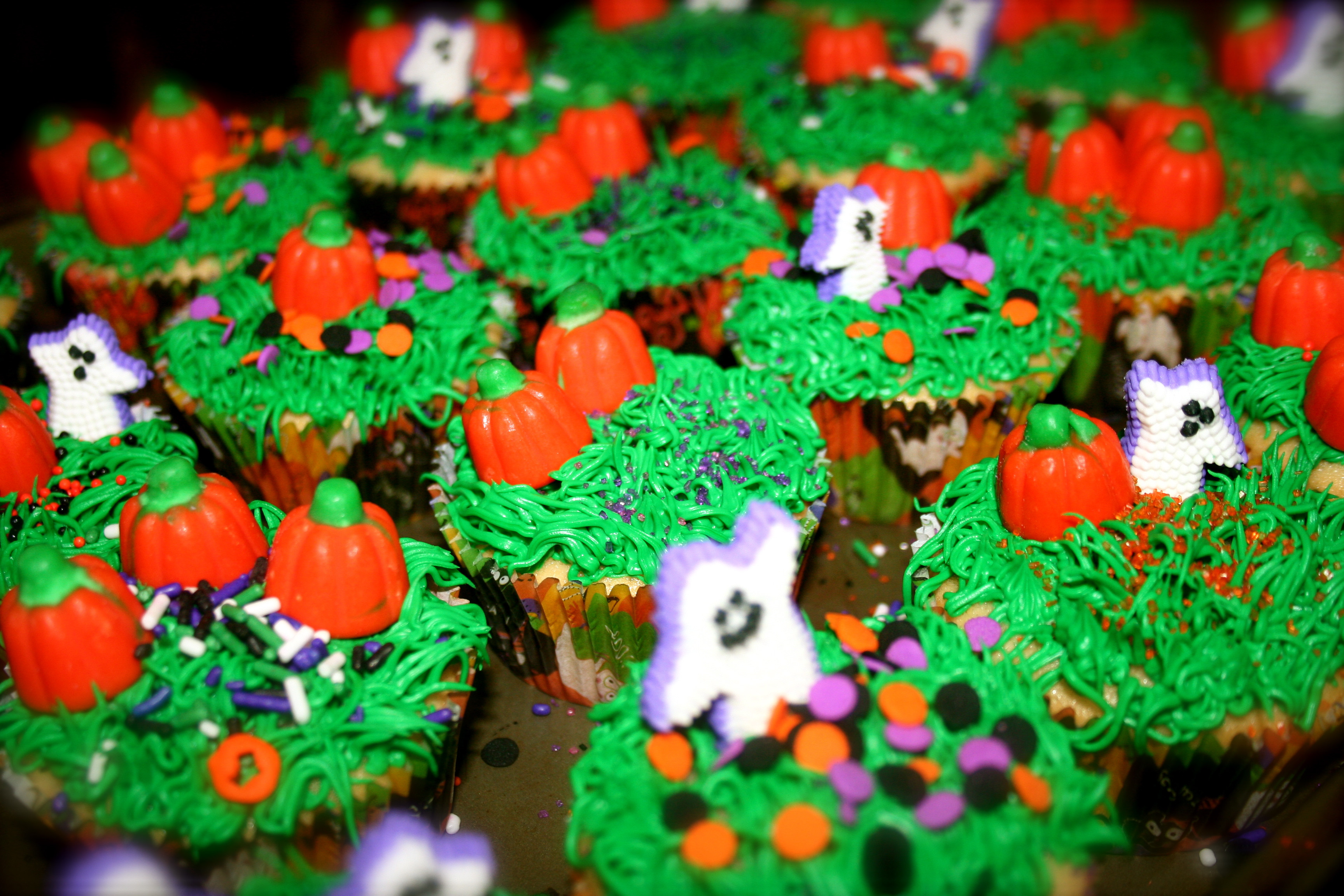 Halloween Themed Cupcakes  HALLOWEEN themed cupcakes