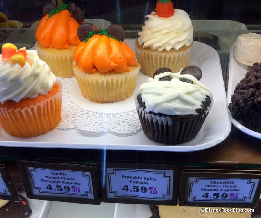 Halloween Themed Cupcakes  What s New Around Walt Disney World October 20 2016