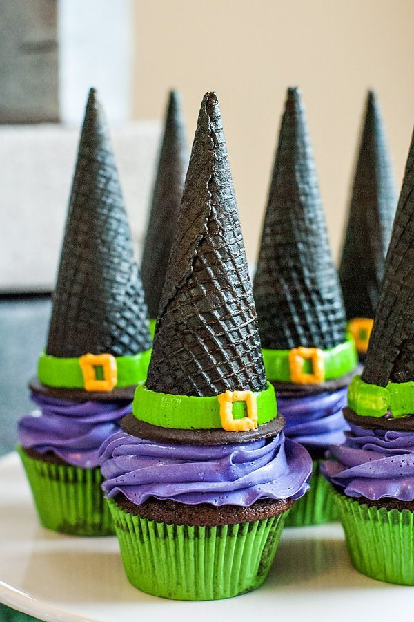 Halloween Witch Cupcakes  Love these WitchHat cupcakes for my Halloween Party see