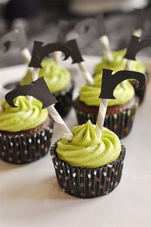 Halloween Witch Cupcakes  35 Delicious Halloween Cupcake Ideas