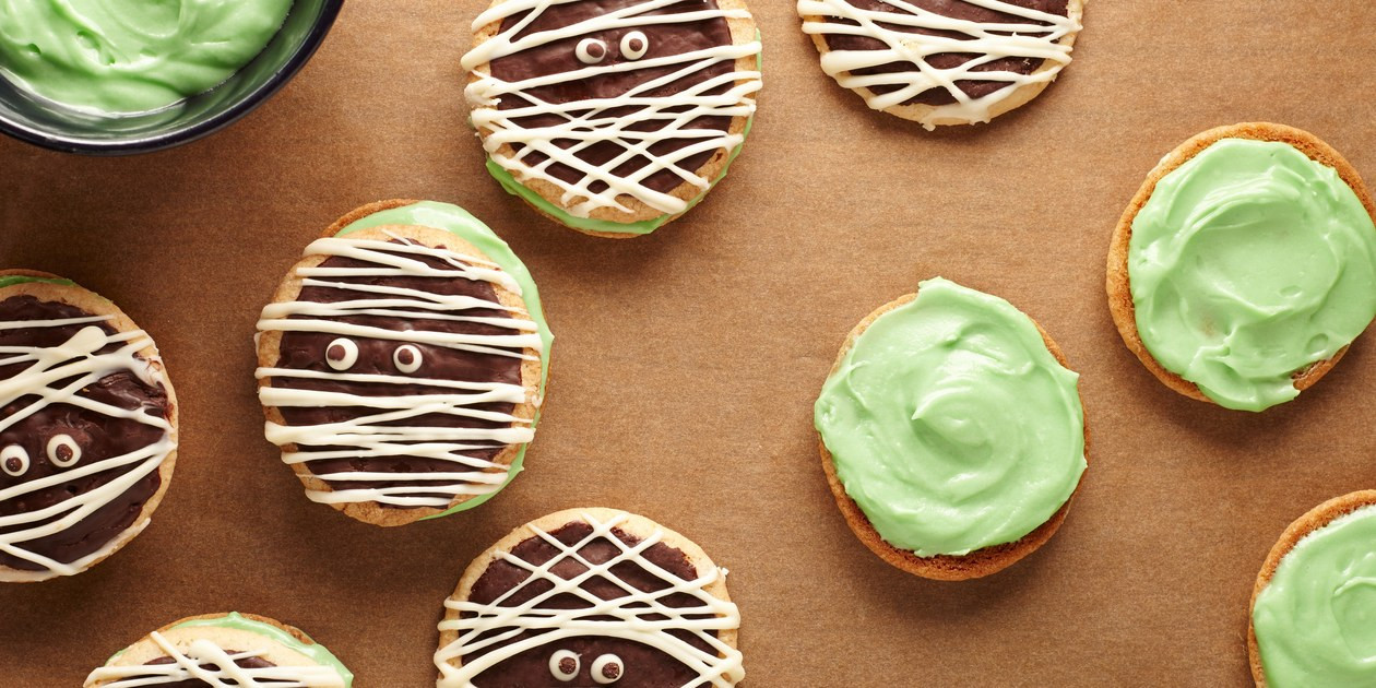 Home Made Halloween Cookies  These Super Easy Halloween Cookies Are So Cute It s Scary