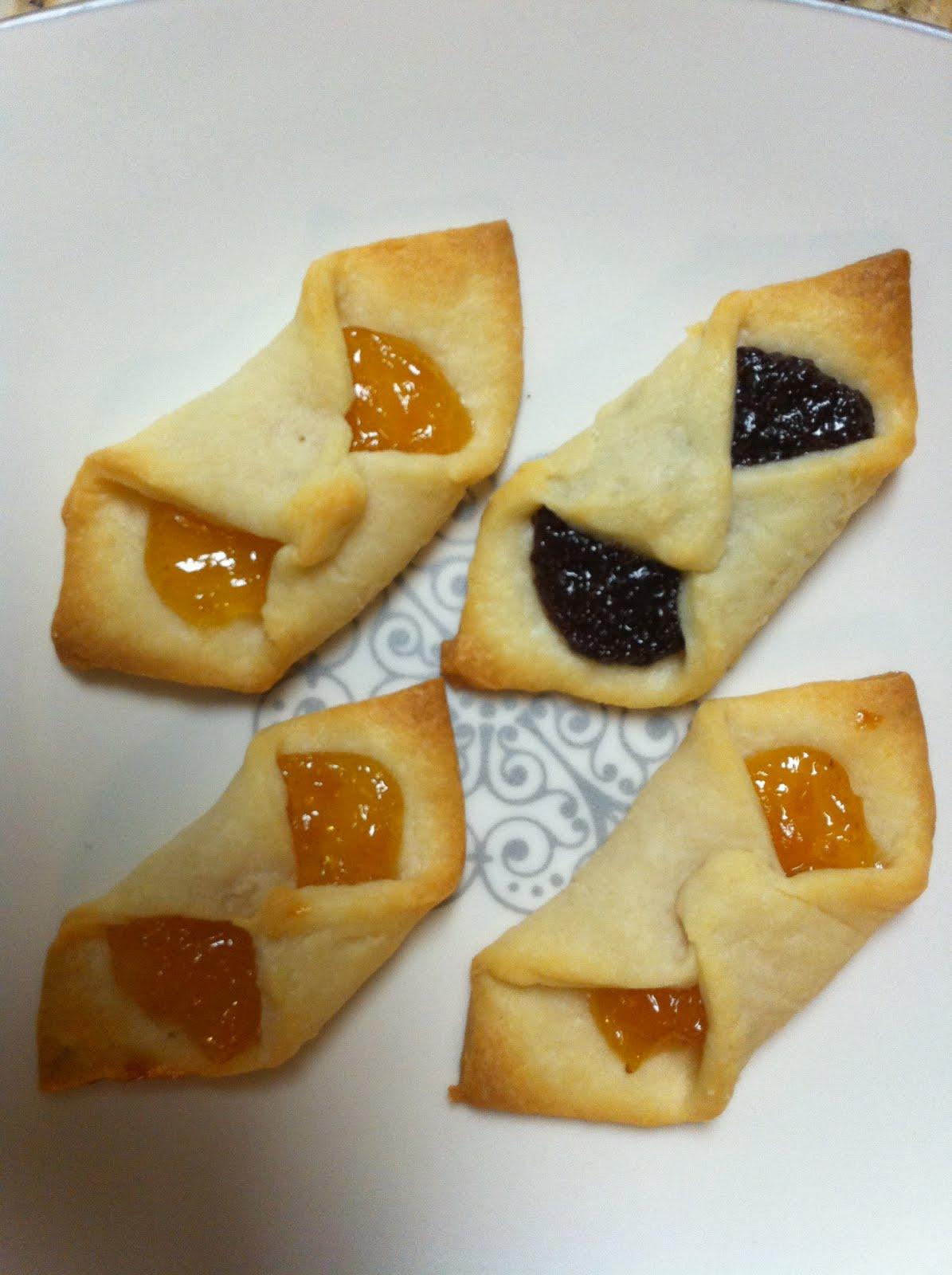 Hungarian Christmas Cookies  Pinch Sunshine Hungarian Kiffle Eggless Cookie
