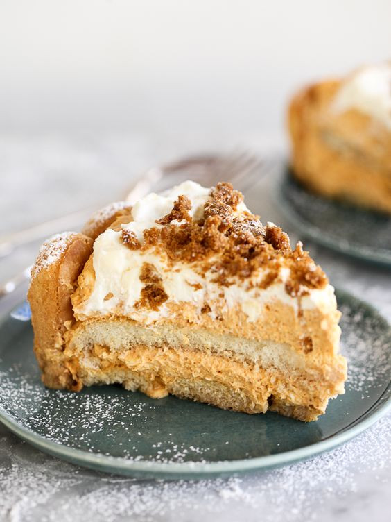 Italian Thanksgiving Desserts  Thanksgiving Pumpkins and Cakes on Pinterest