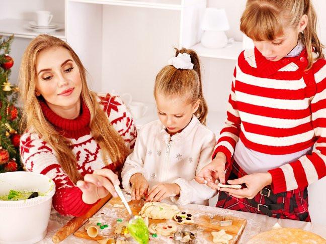 Making Christmas Cookies  17 Christmas Cookies Around the Web