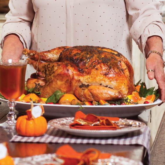 Paula Dean Thanksgiving Turkey  Thanksgiving Menus Paula Deen Magazine