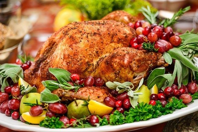Photos Of Thanksgiving Turkey  Turkey Platter Garnish Ideas B Lovely Events
