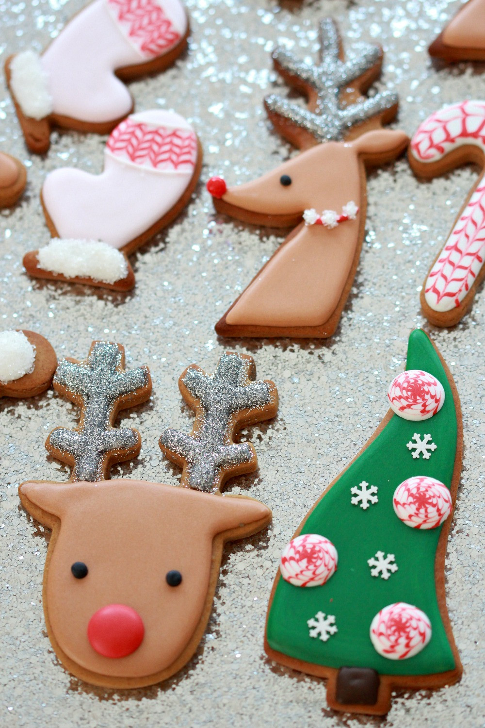Pictures Of Christmas Cookies Decorated  Video How to Decorate Christmas Cookies Simple Designs