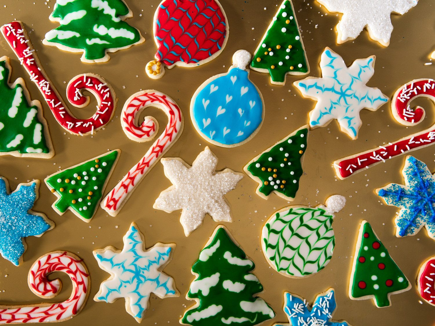 Pictures Of Christmas Cookies Decorated  A Royal Icing Tutorial Decorate Christmas Cookies Like a