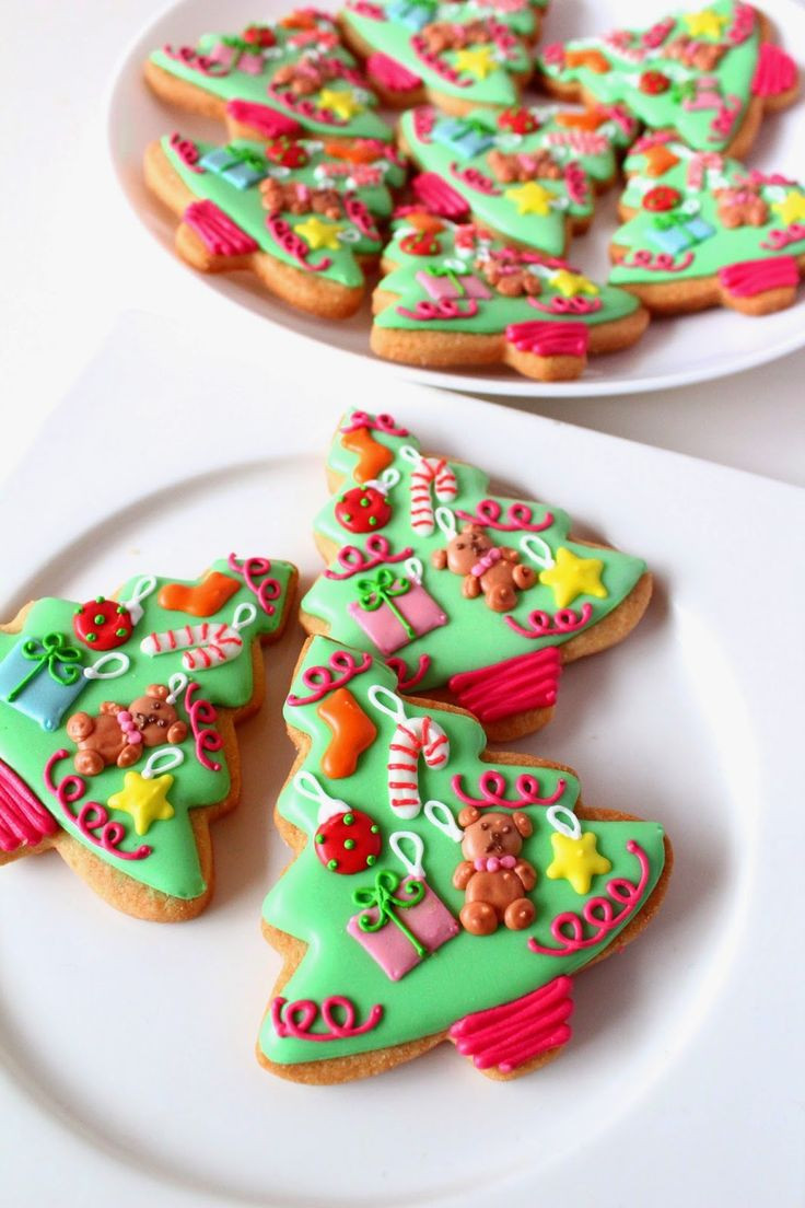 Pictures Of Christmas Cookies Decorated  Best 25 Decorated christmas cookies ideas on Pinterest