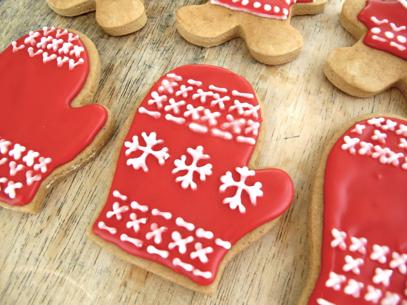 Pictures Of Christmas Cookies Decorated  Jenny Steffens Hobick Gingerbread Cookies