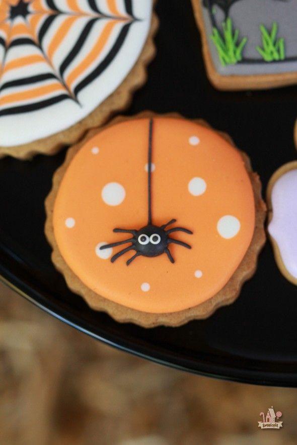 Pictures Of Halloween Cookies  Halloween Spider Decorated Cookie Sweetopia
