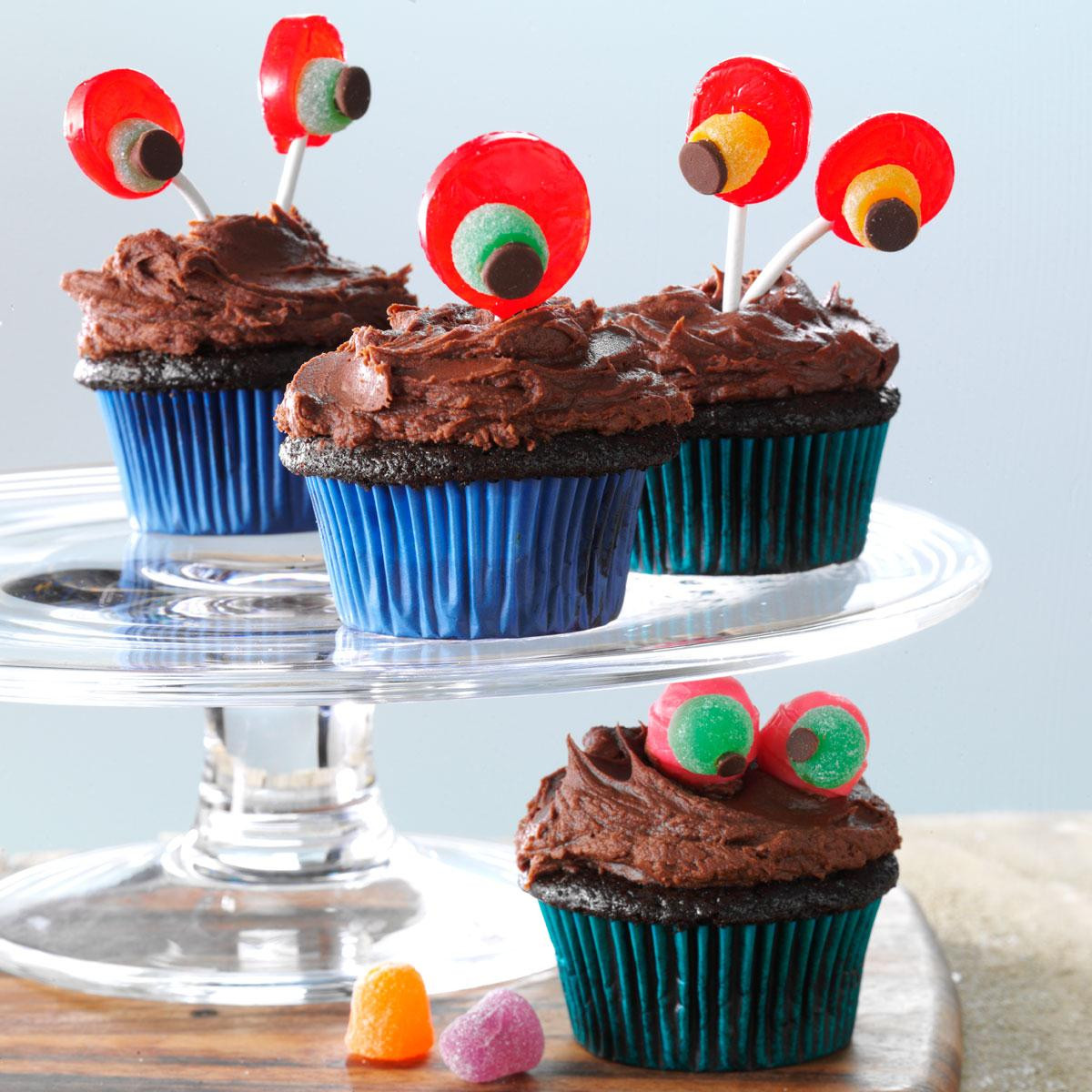 Recipe For Halloween Cupcakes  Devil s Food Cupcakes with Chocolaty Frosting Recipe