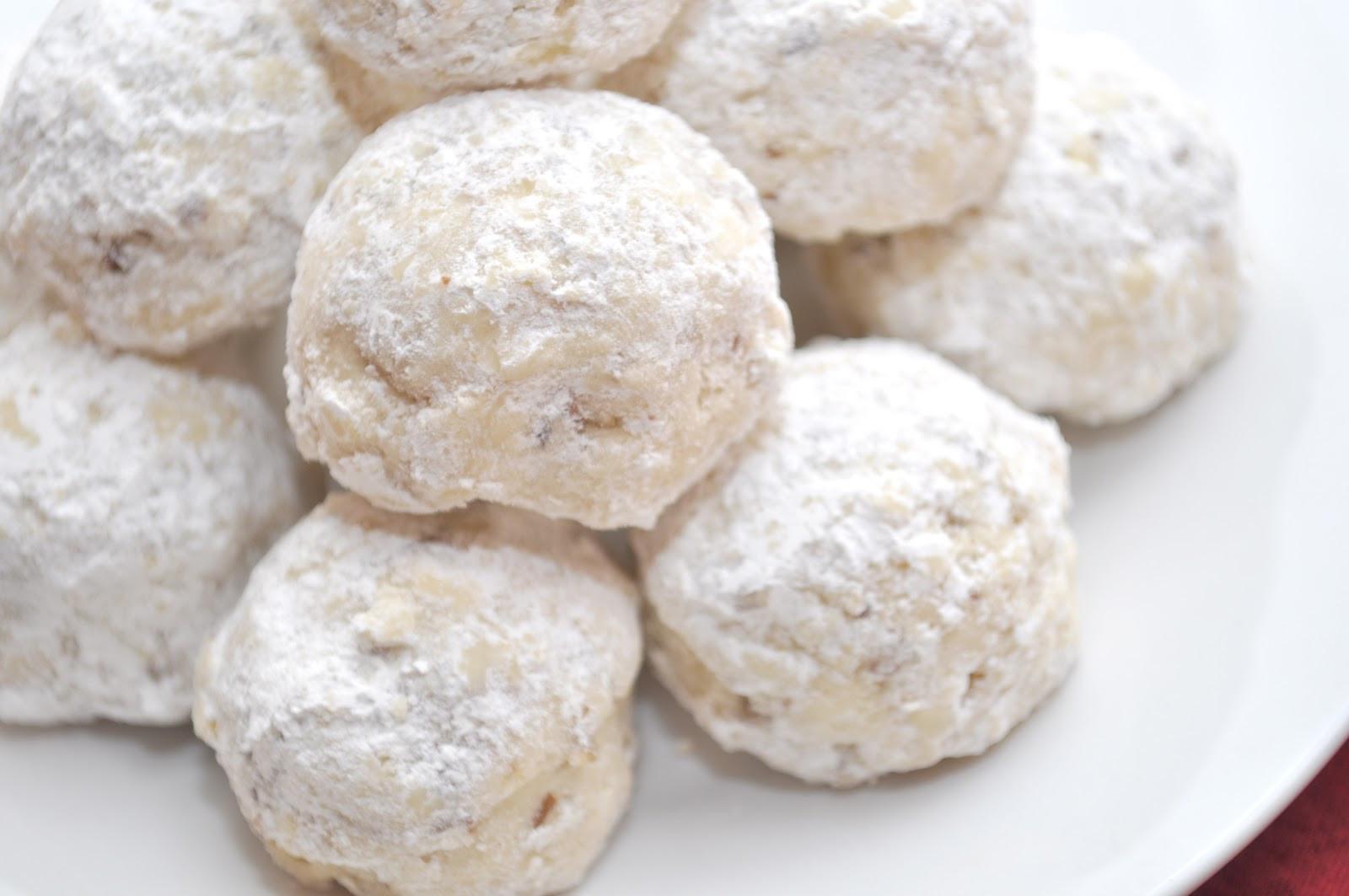 Russian Christmas Cookies  carinamdee 12 Treats of Christmas Russian Tea Cookies 2