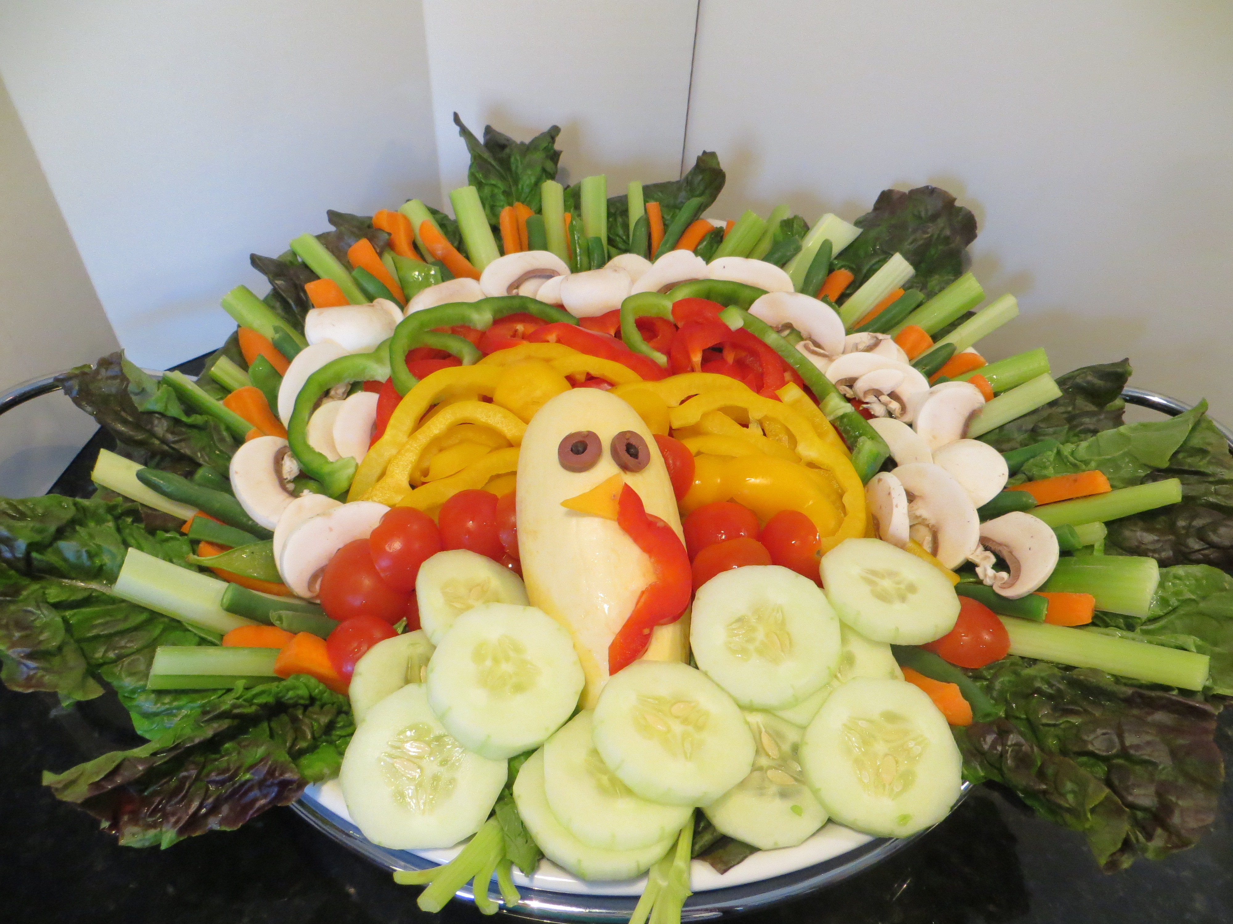 Salad For Thanksgiving Dinner  Meatless Thanksgiving Turkey Tossed Salad