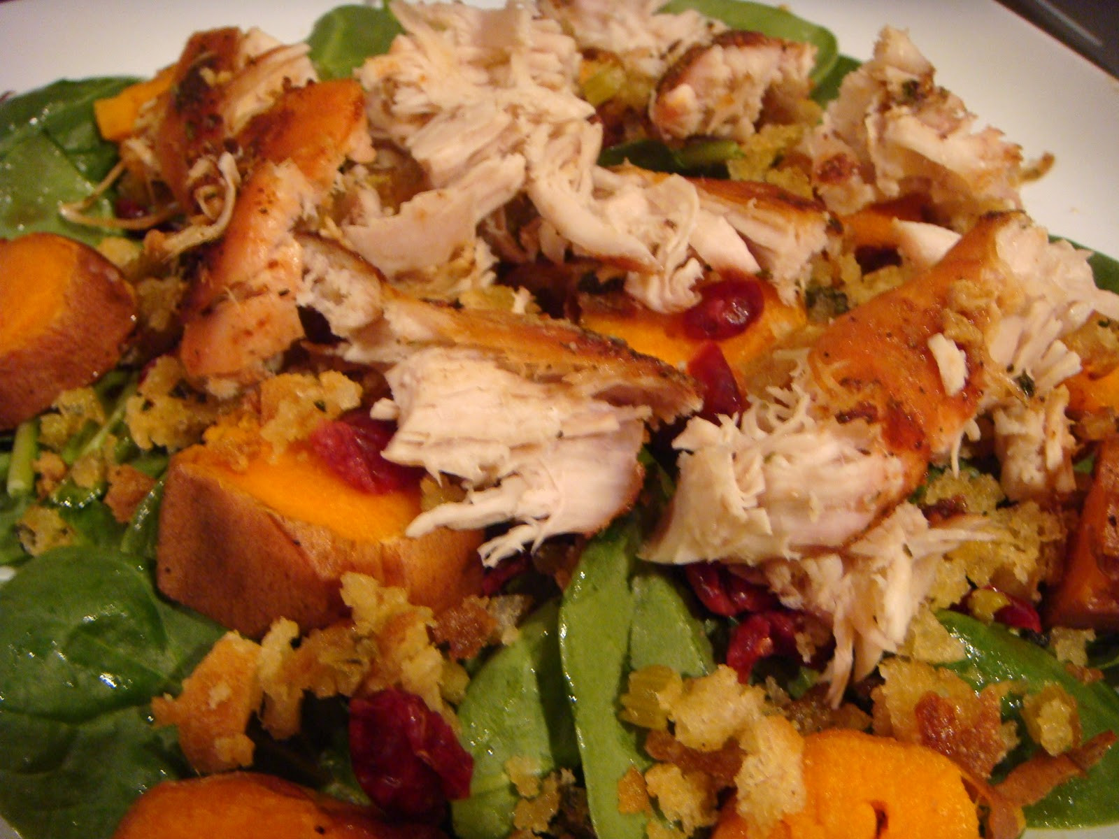 Salad For Thanksgiving Dinner  Delicious Dishings Thanksgiving Dinner Salad