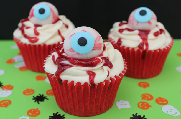Scary Halloween Cupcakes  16 Halloween cupcake recipes