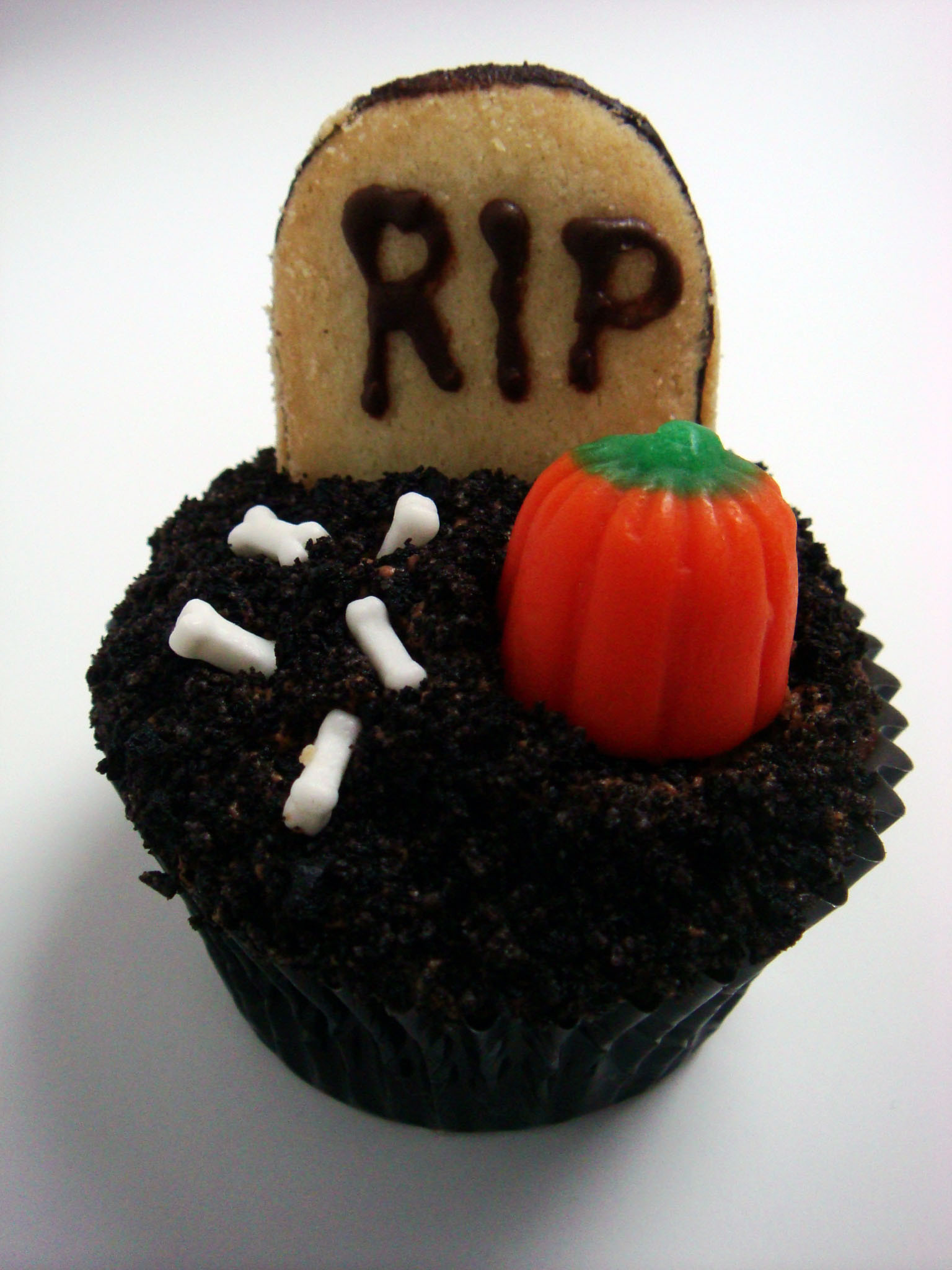 Scary Halloween Cupcakes  301 Moved Permanently