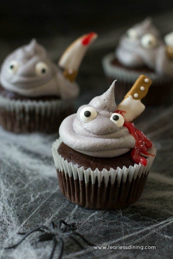 Scary Halloween Cupcakes  20 Cute & Creepy Halloween Cupcakes Happiness is Homemade