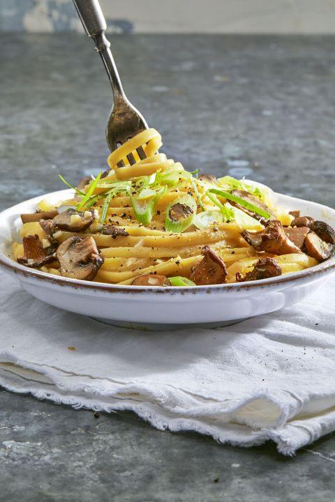 Simple Vegetarian Thanksgiving Recipes  21 Vegan Thanksgiving Recipes Easy Main Dishes Sides