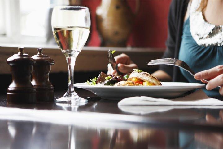 Thanksgiving Breakfast Restaurants  Restaurants fer Free Thanksgiving Meal for Lonely People