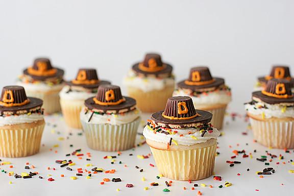 Thanksgiving Cupcakes Decorating Ideas  Pilgrim Hat Thanksgiving Cupcakes Taste and Tell