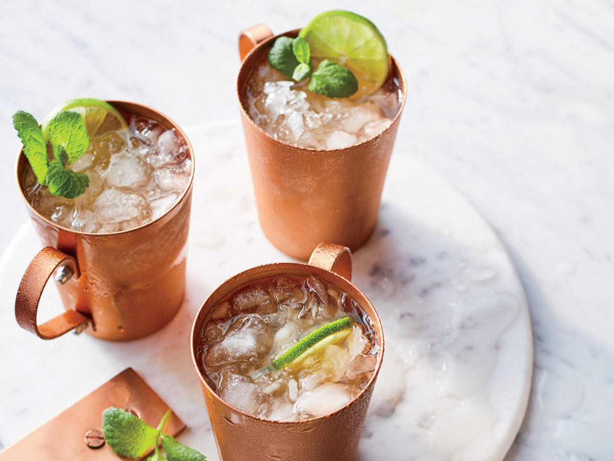 Thanksgiving Day Drinks  10 of the Best Thanksgiving Cocktail & Mocktail Drinks