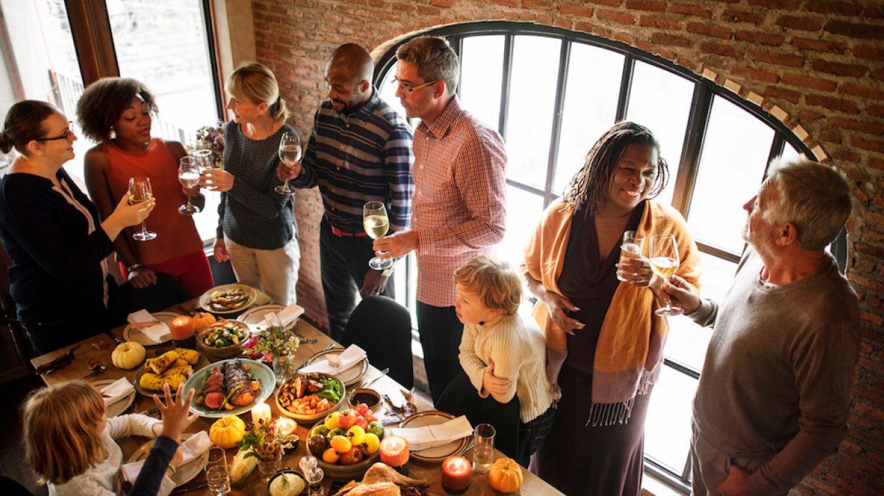 Thanksgiving Dinner New York City 2019  Thanksgiving dinner How to avoid talking about politics