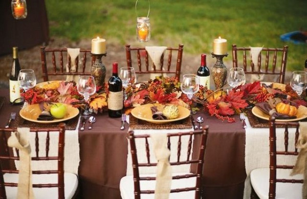 Thanksgiving Dinner Table Decorations  20 fantastic Thanksgiving decoration ideas for an outdoor