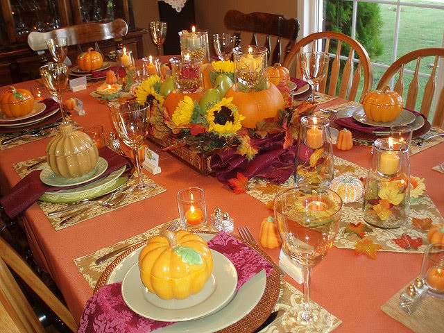 Thanksgiving Dinner Table Decorations  Tikio s English THANKSGIVING