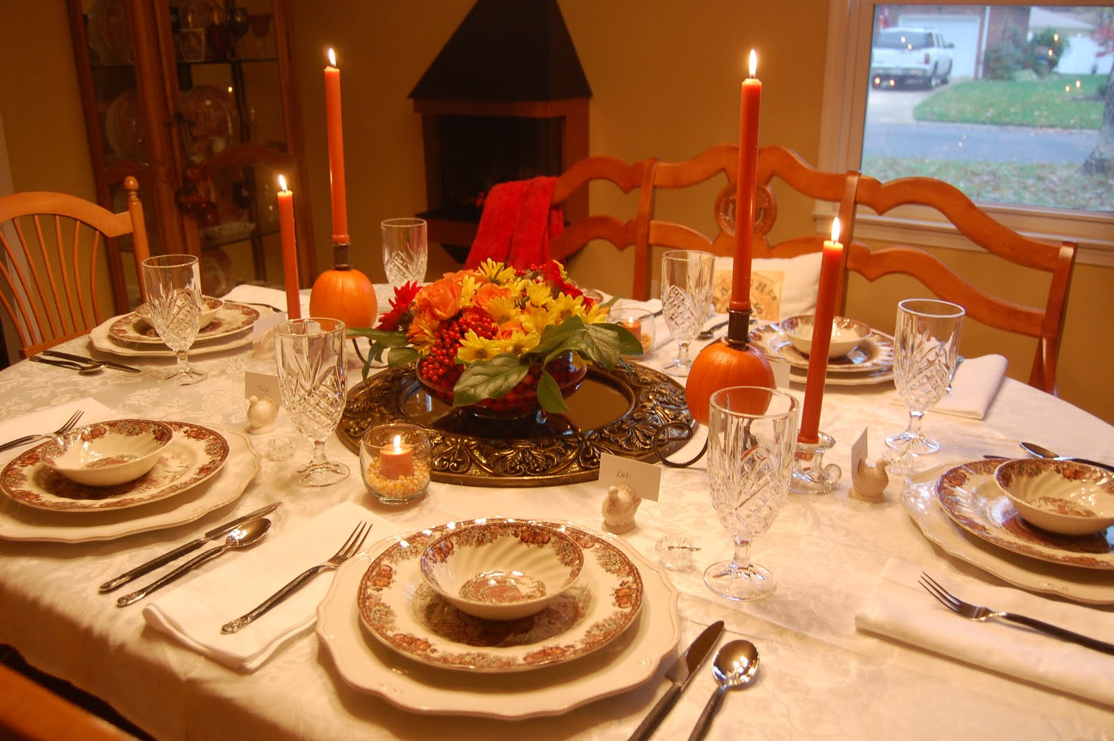 Thanksgiving Dinner Table Decorations  The Knife is Always Right How to Set the Perfect