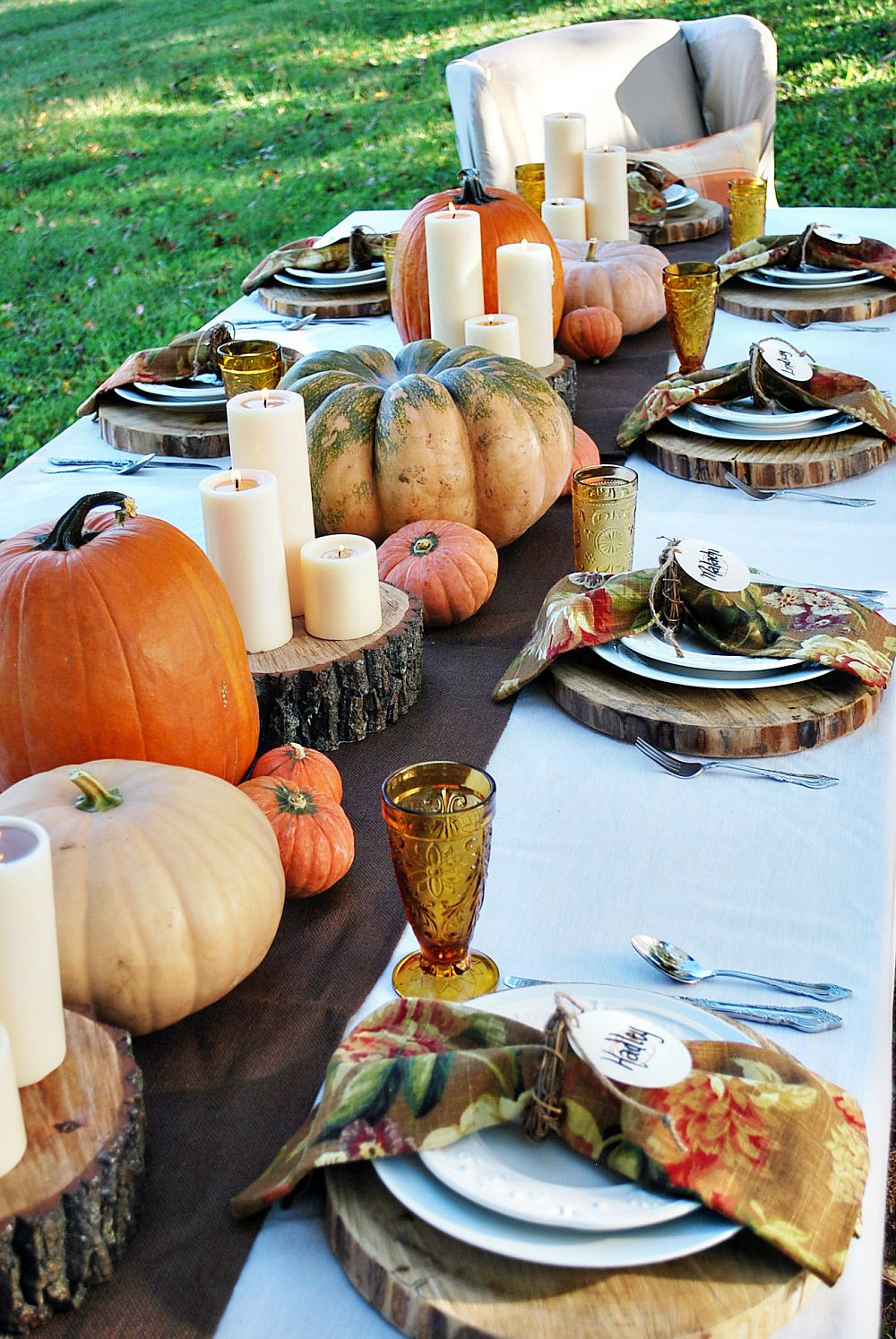 Thanksgiving Dinner Table Settings  15 Outdoor Thanksgiving Table Settings for Dining Alfresco