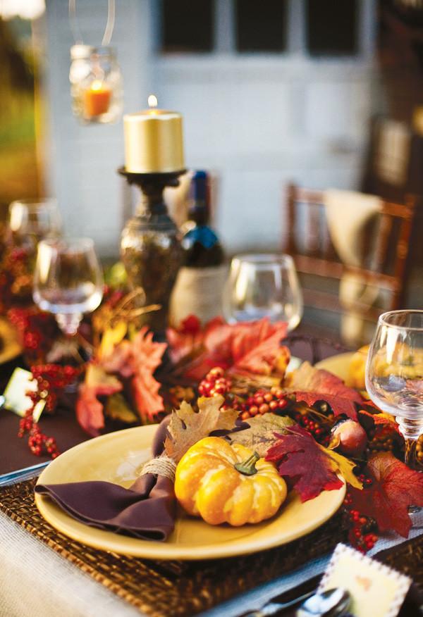 Thanksgiving Dinner Table Settings  rivernorthLove Rustic Thanksgiving Dinner