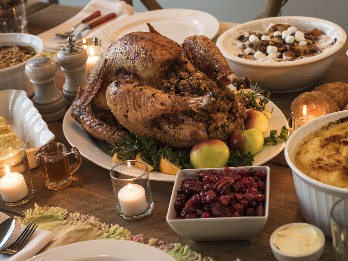 Thanksgiving Dinner To Go 2019  Thanksgiving Dinner Cost Cheaper This Year Study Says