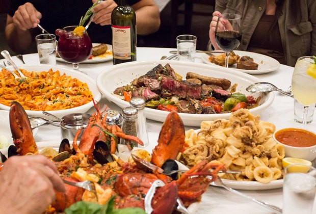 Thanksgiving Dinners New York City  25 NYC Restaurants Serving Family Thanksgiving Dinner