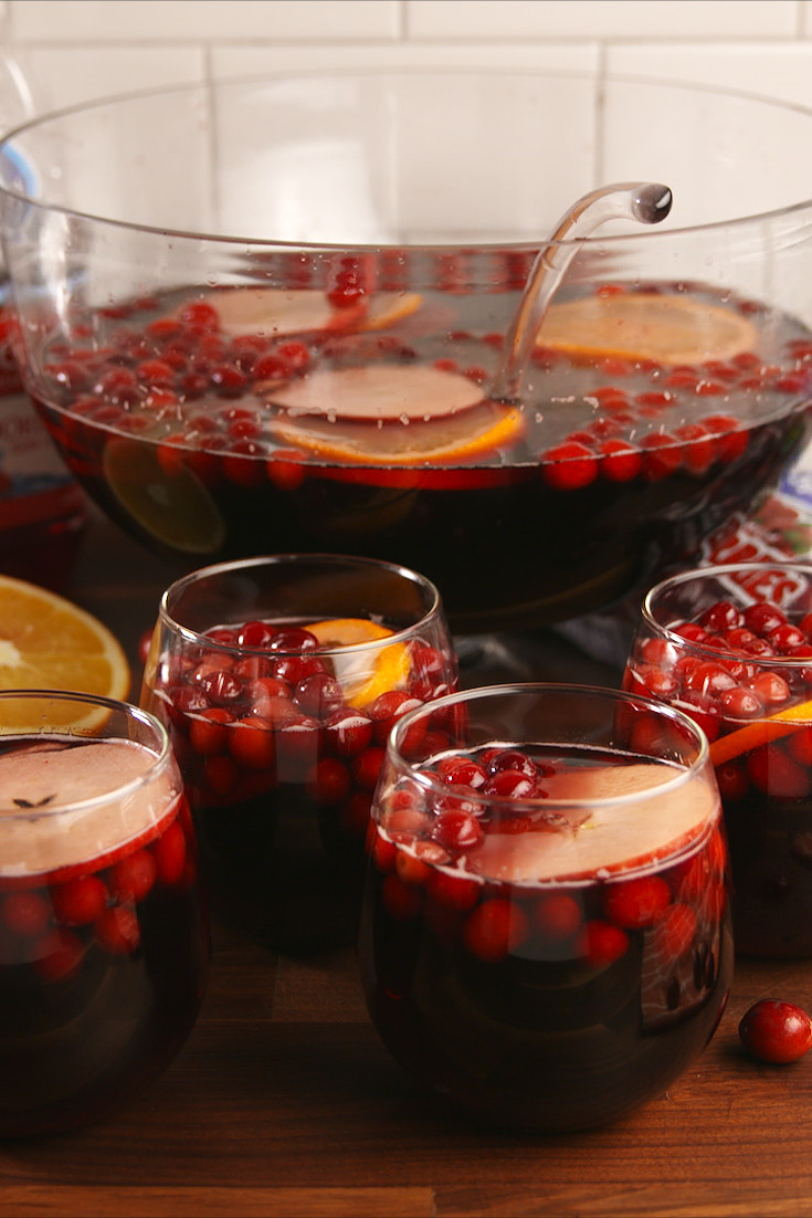 Thanksgiving Drinks For A Crowd  30 Best Thanksgiving Cocktails Easy Recipes for
