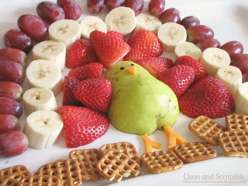 Thanksgiving Fruit Desserts  Cute turkey fruit platter cleanandscentsible