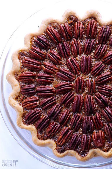Thanksgiving Pecan Pie  7 Easy Ways to Glam Up Your Thanksgiving Table
