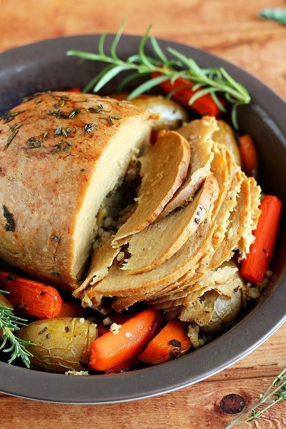 Thanksgiving Vegan Dishes  Tofurky Roast The Most Delicious Vegan Friendly