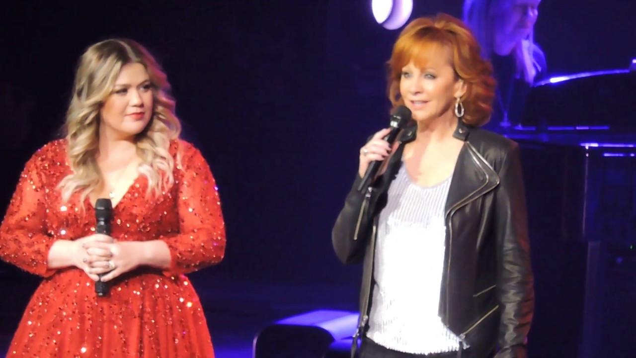 Trisha Yearwood Hard Candy Christmas  Reba joins Kelly Clarkson and Sings 3 Holiday Songs 2016