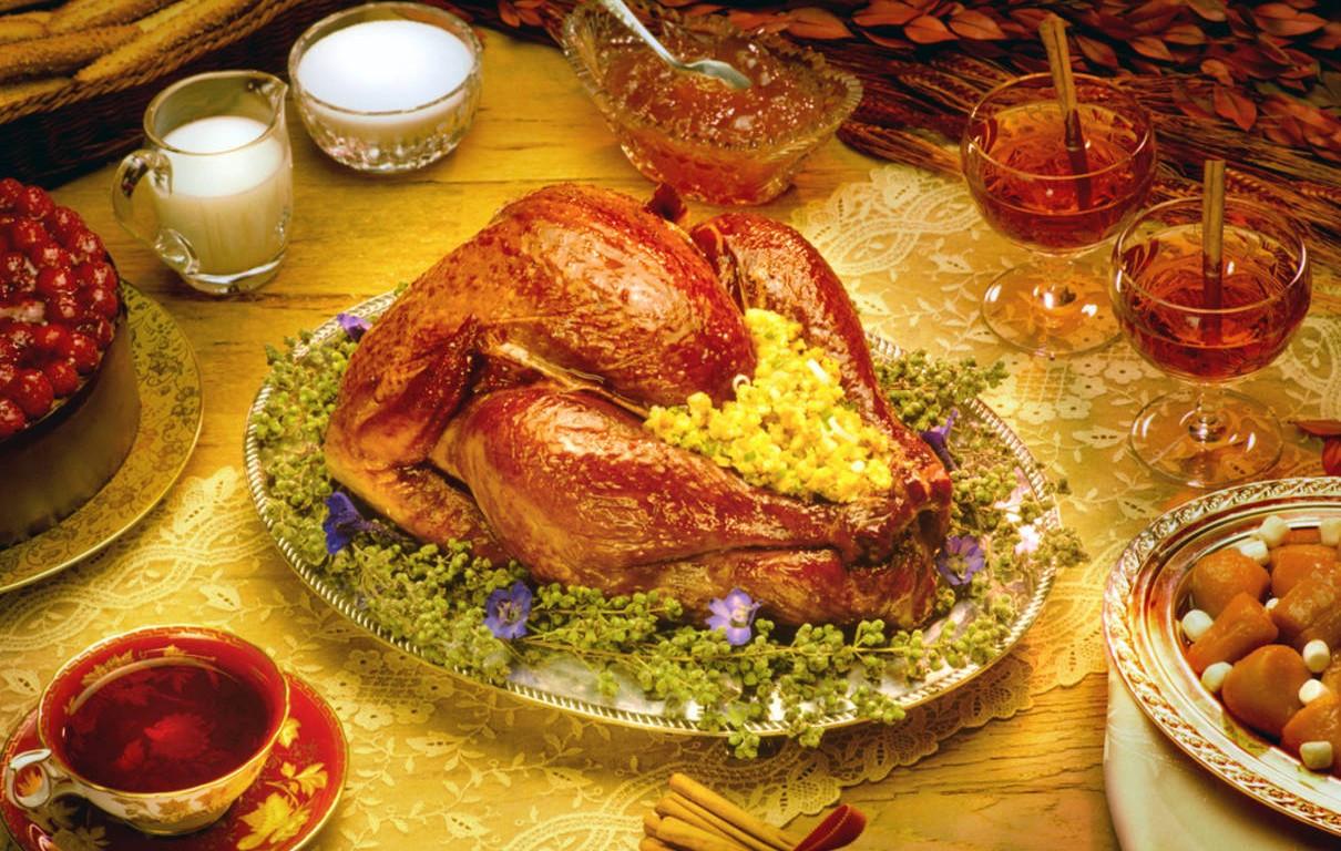 Turkey Thanksgiving Dinner  traditional thanksgiving turkey dinner thanksgiving home