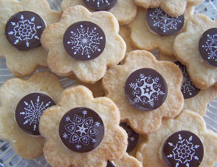 Types Of Christmas Cookies  17 Best images about Me val Party Cakes on Pinterest