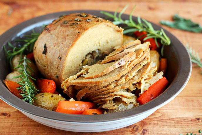 Vegan Thanksgiving Entrees  15 Ve arian Thanksgiving Entrees That Will Wow You