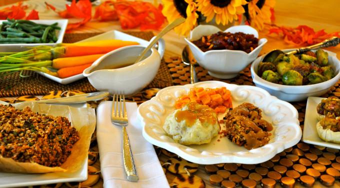 Vegetarian Thanksgiving Food  Vegan Thanksgiving Recipes For A plete Holiday Dinner