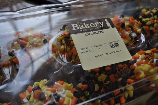 Walmart Halloween Cupcakes  My Secret Shortcuts for Baking & Serving Halloween Treats
