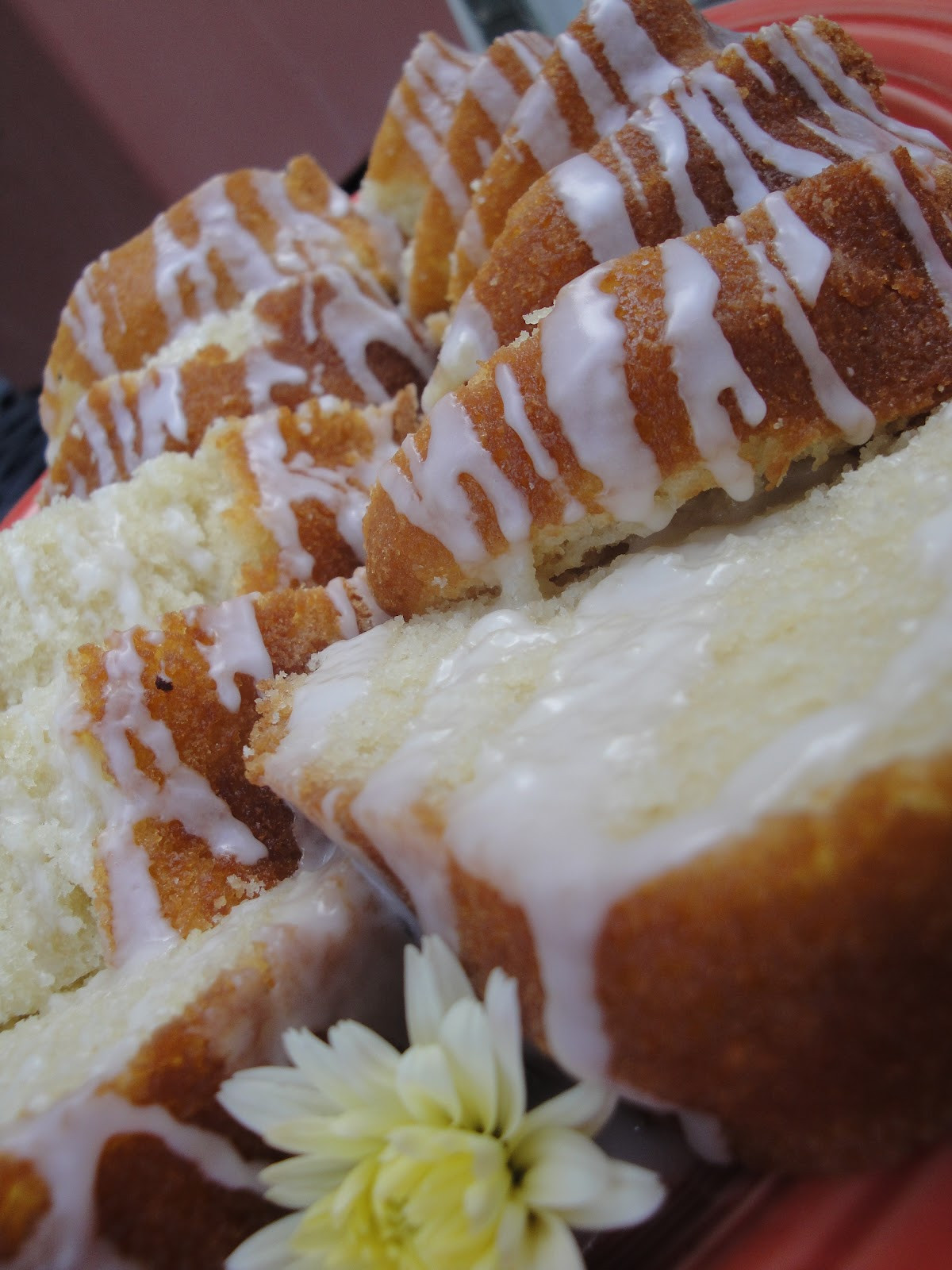 Why Did My Pound Cake Fall  Squirrels n Sweets Vanilla Buttermilk Pound Cake with